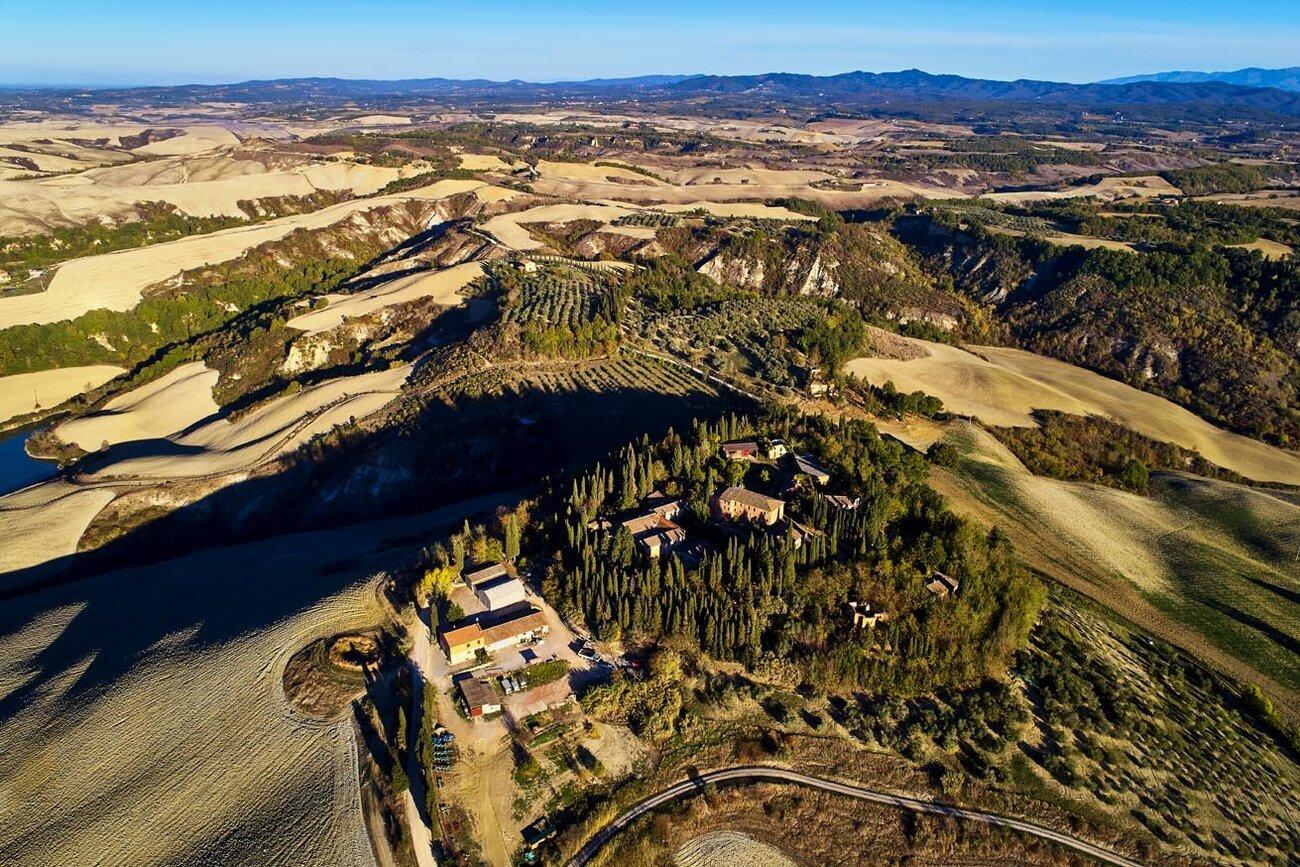 Monte Sante Marie, Italy, Tuscany, Crete Senesi countryside (ph. Andrea Pistolesi)